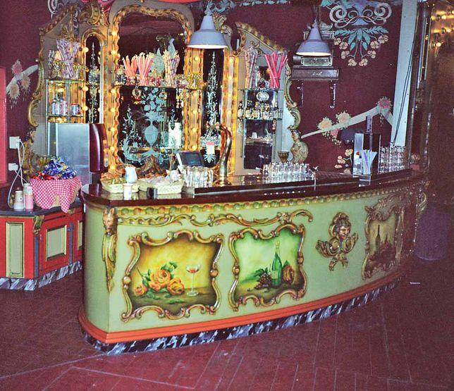 Our Times >> National Carousel Association - de Eftling Park Carousel - Efteling salon carousel bar